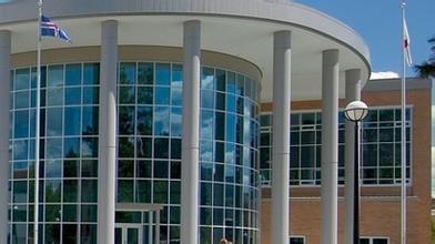 汤姆逊河流大学